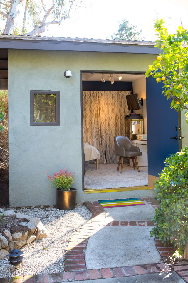 House Tour An Eclectic Hillside Home In Silver Lake