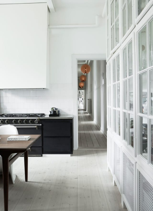 Kitchens That Get Black Amp White Just Right Apartment Therapy