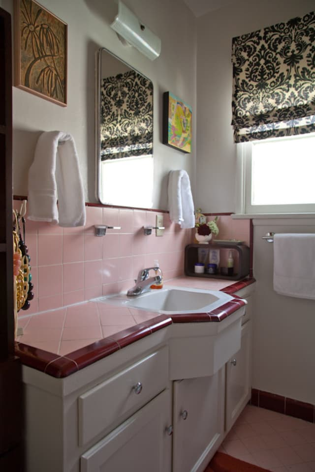 How to Tone Down (or Play Up!) Pink Vintage Bathroom Tile ...