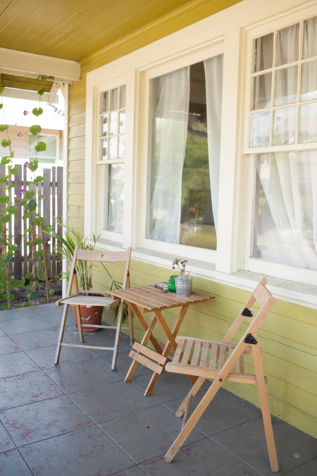 House Tour A Cozy And Eclectic Portland Bungalow