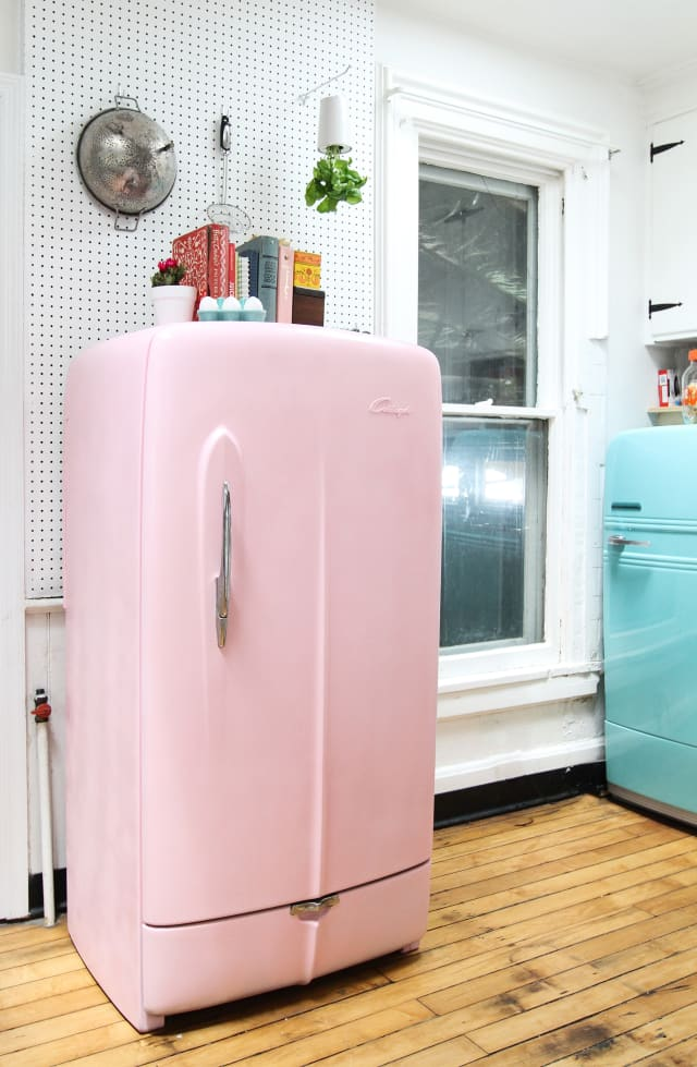 how to paint a refrigerator tips photo tutorial apartment therapy. Black Bedroom Furniture Sets. Home Design Ideas