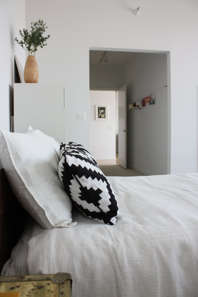 Alecia Amp Jon S Luminous Simplicity Apartment Therapy