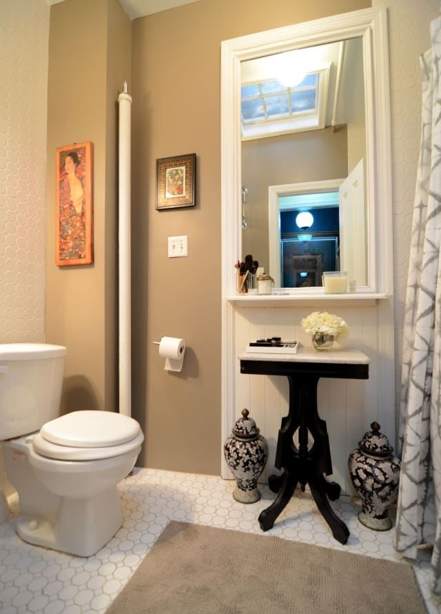 Windowless Bathrooms: 9 That Aren't Bad at All (And Why ...