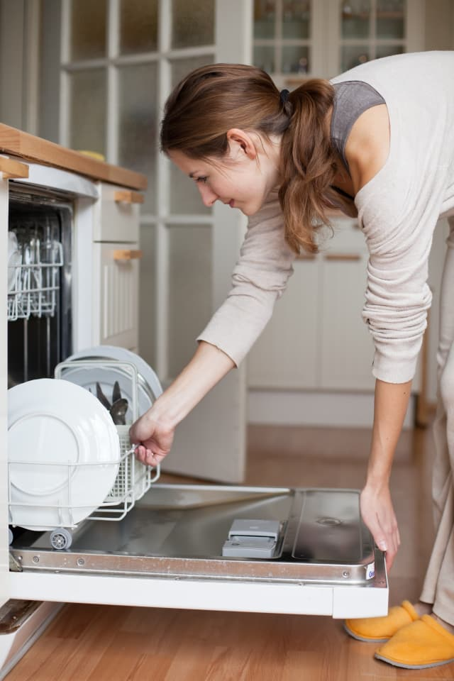 Spring Cleaning Hacks Easy Cleaning Ideas - The Dating Divas