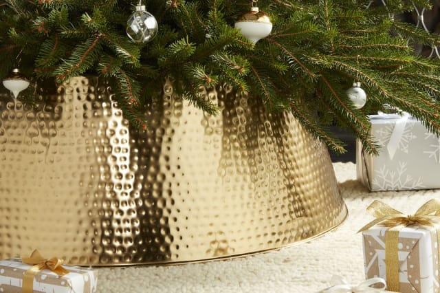 what are christmas tree collars where to get them apartment therapy - Christmas Decor Without A Tree