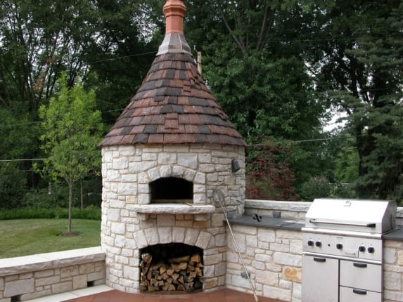 (Image credit: Frisch Masonry). Backyard pizza oven - 9 Dreamy Backyard Pizza Ovens We Wish Were Ours Kitchn