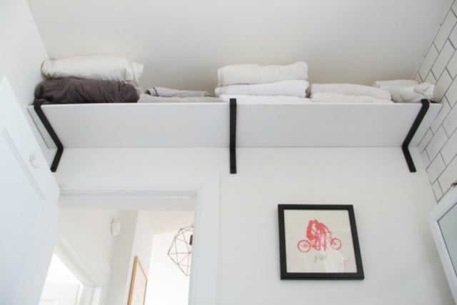 Ideas For Hanging Storing Towels In A Small Bathroom Apartment