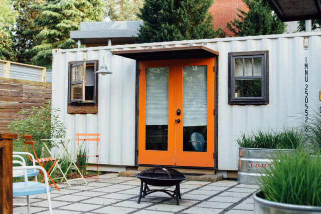 The Coolest Shipping Container Homes You Can Rent Apartment Therapy