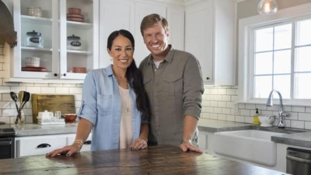 Unreality Tv Former Fixer Upper Contestant Says Parts Are Fake