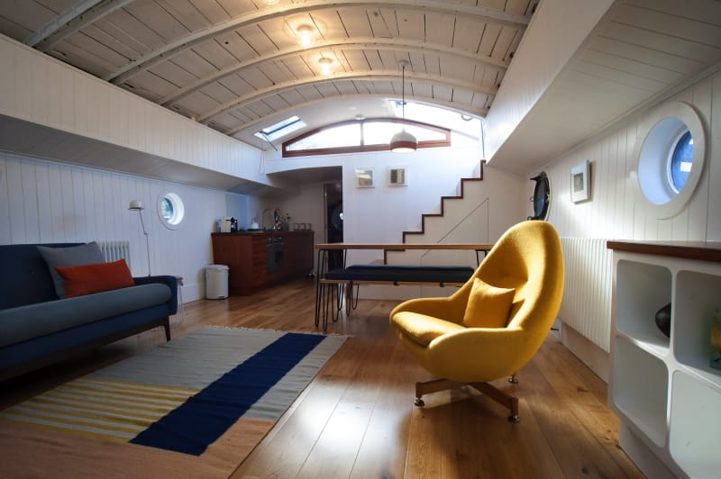 House Tour A Restored 1925 Houseboat In London