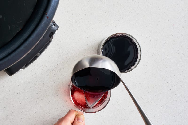 how to make mulled wine in a slow cooker