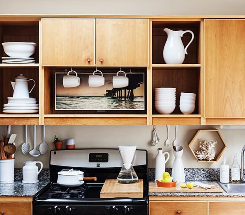 """5 Things We Can Learn From This """"Ugly Duckling"""" Cottage Kitchen"""