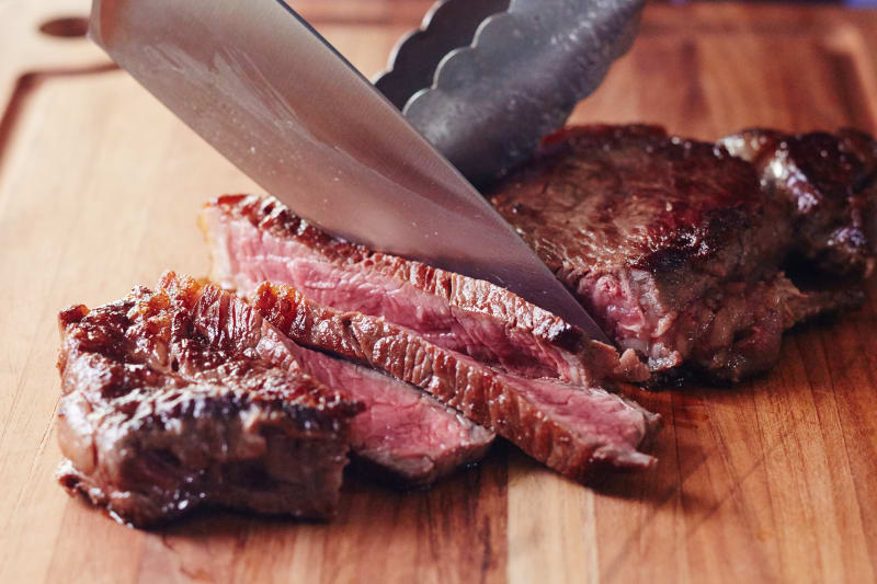 how to cook a strip steak on the stove