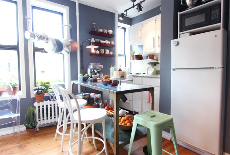 how to make a small apartment kitchen look bigger