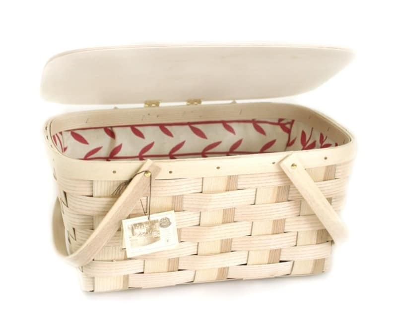 From Simple To Swanky 10 Picnic Baskets For The Summer