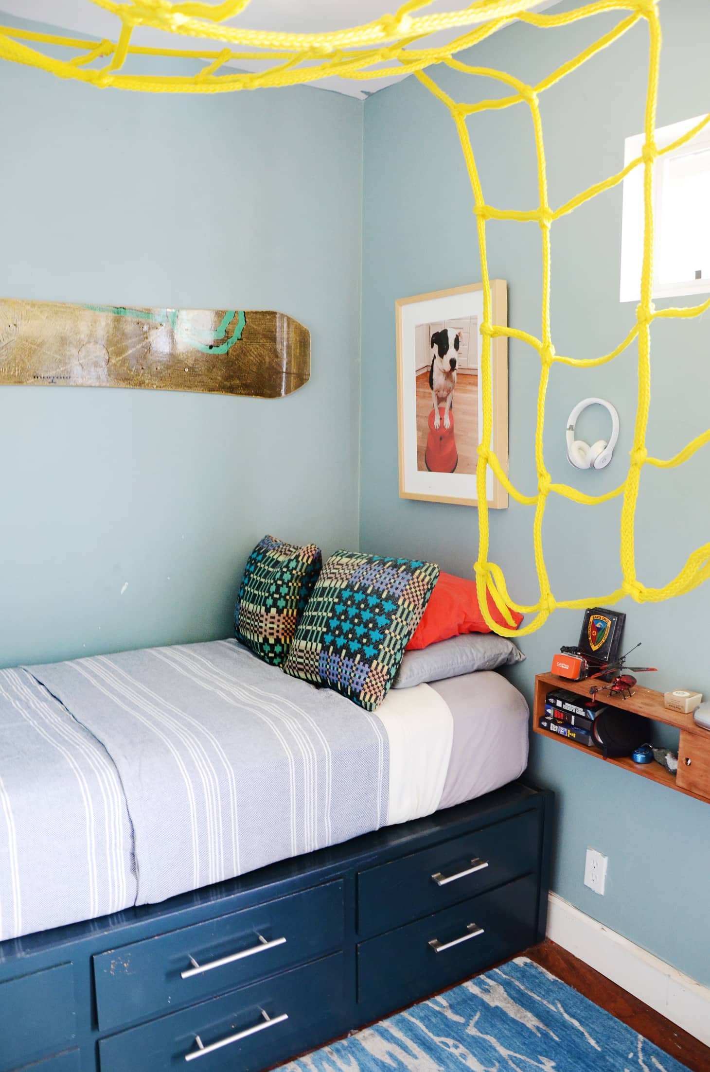 6 Diy Ways To Make A Platform Bed With Ikea Products Apartment Therapy