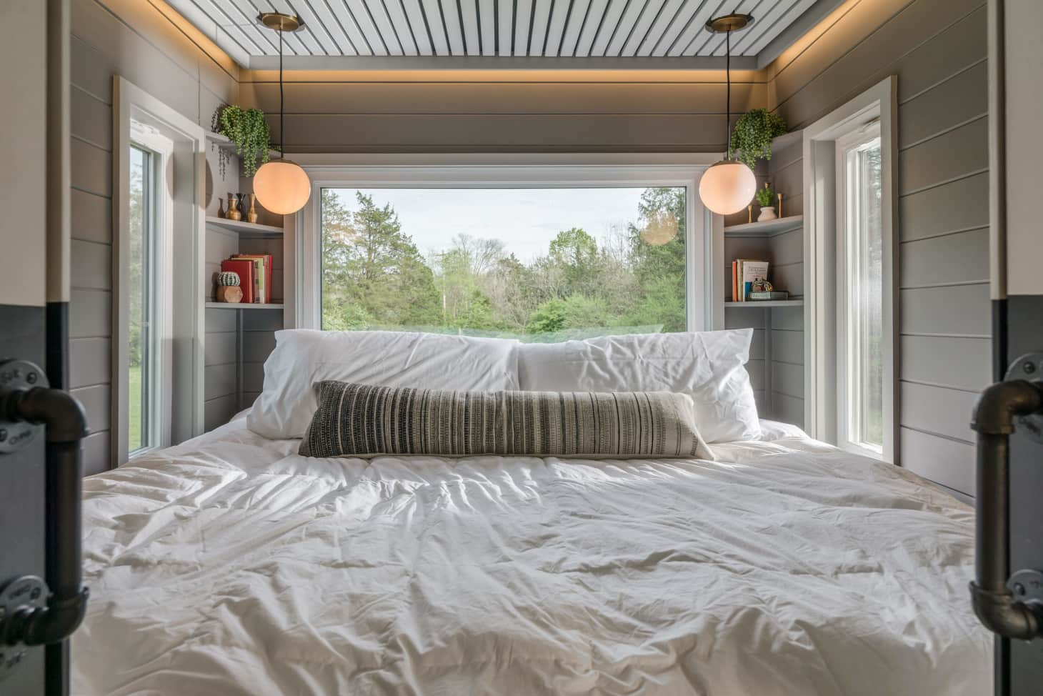 This Tiny House Has A Bedroom You D Actually Want To Wake Up In