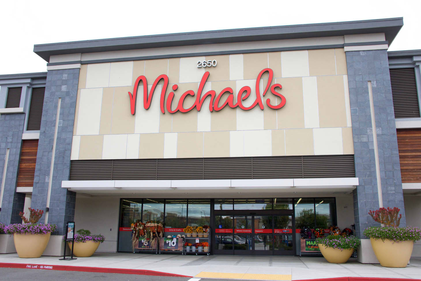 How To Save Money At Michaels Michaels Coupons Tips Apartment