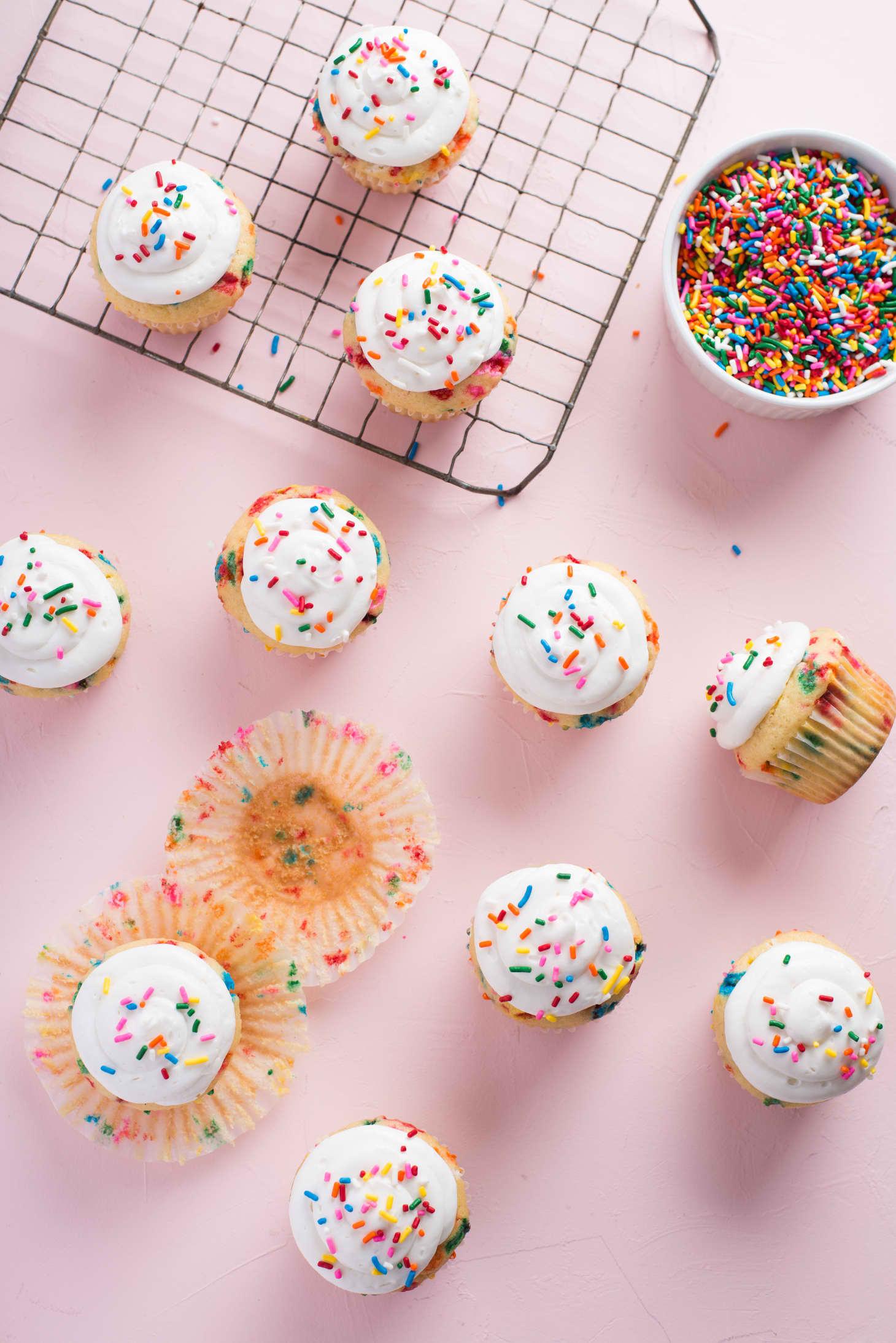 Recipe One Bowl Vanilla Cake Funfetti Cupcakes