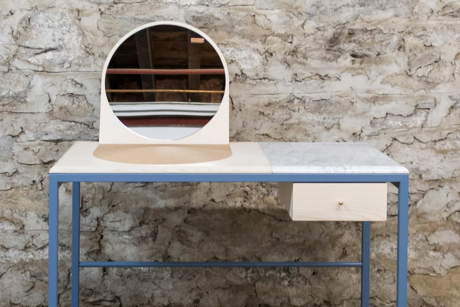 10 Modern Makeup Vanity Tables For The Beauty Room Apartment Therapy