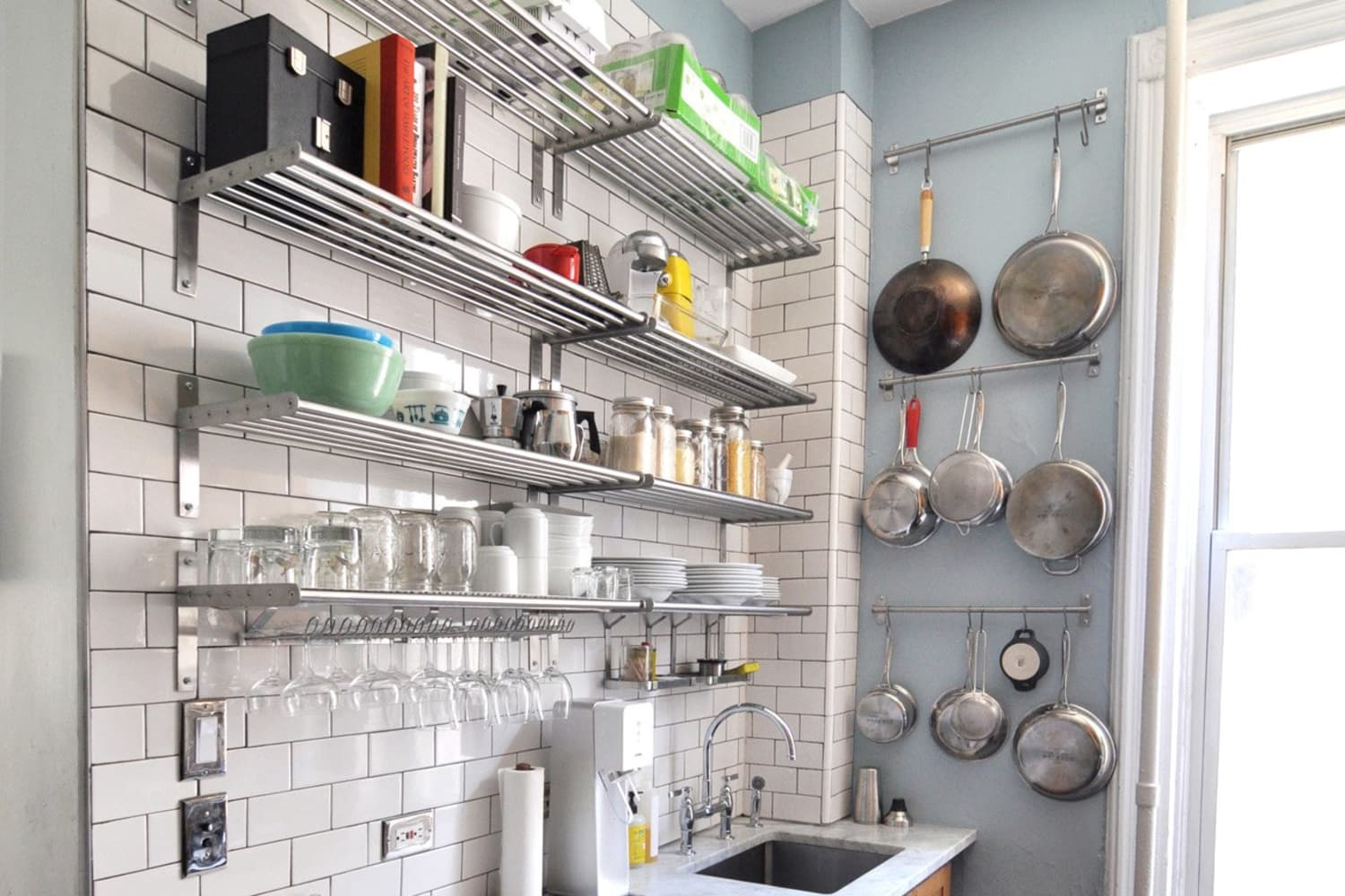 How To Organize A Small Apartment Kitchen 7 Step Plan Therapy