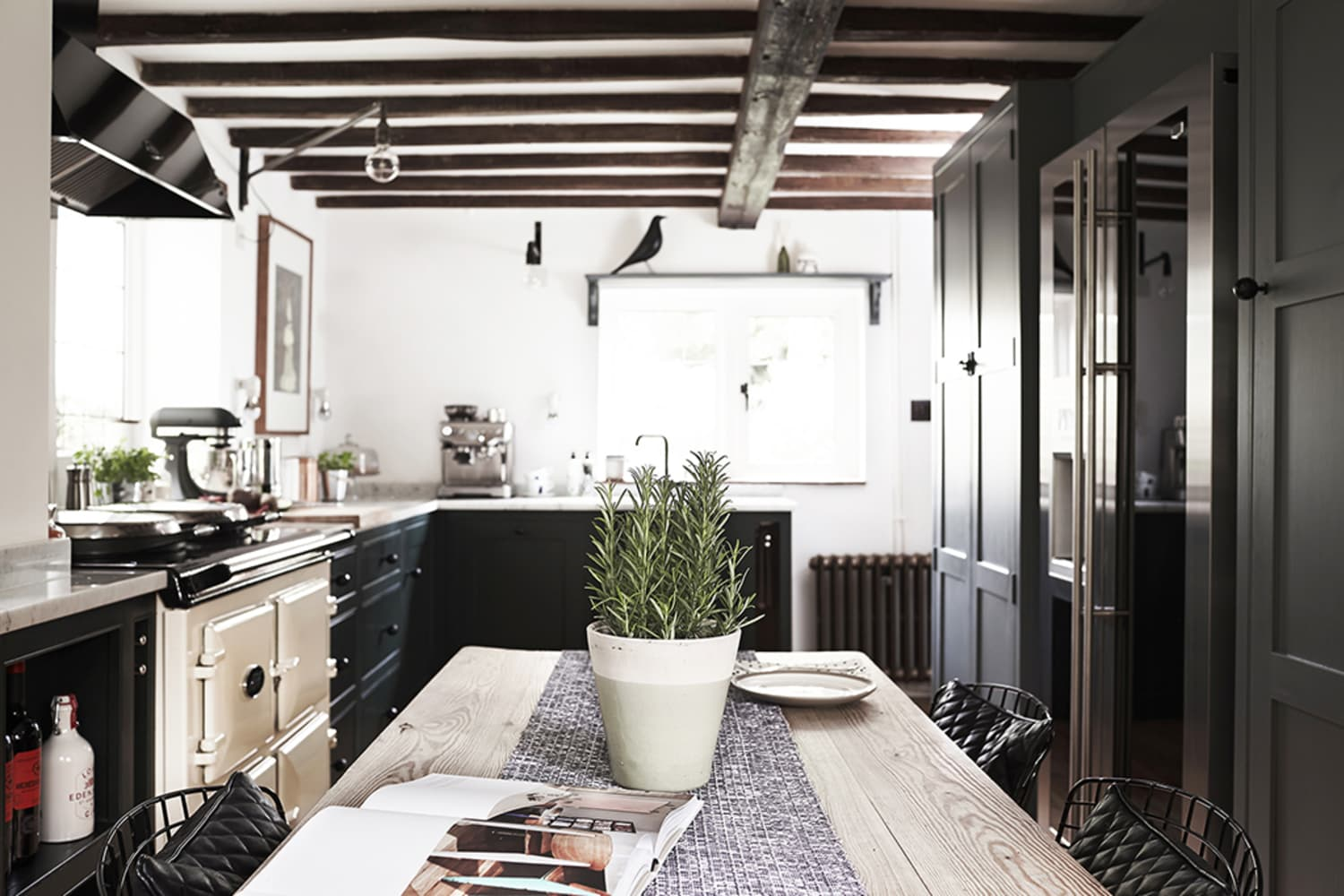 A Modern Kitchen For 250 Year Old English Cottage Apartment Therapy