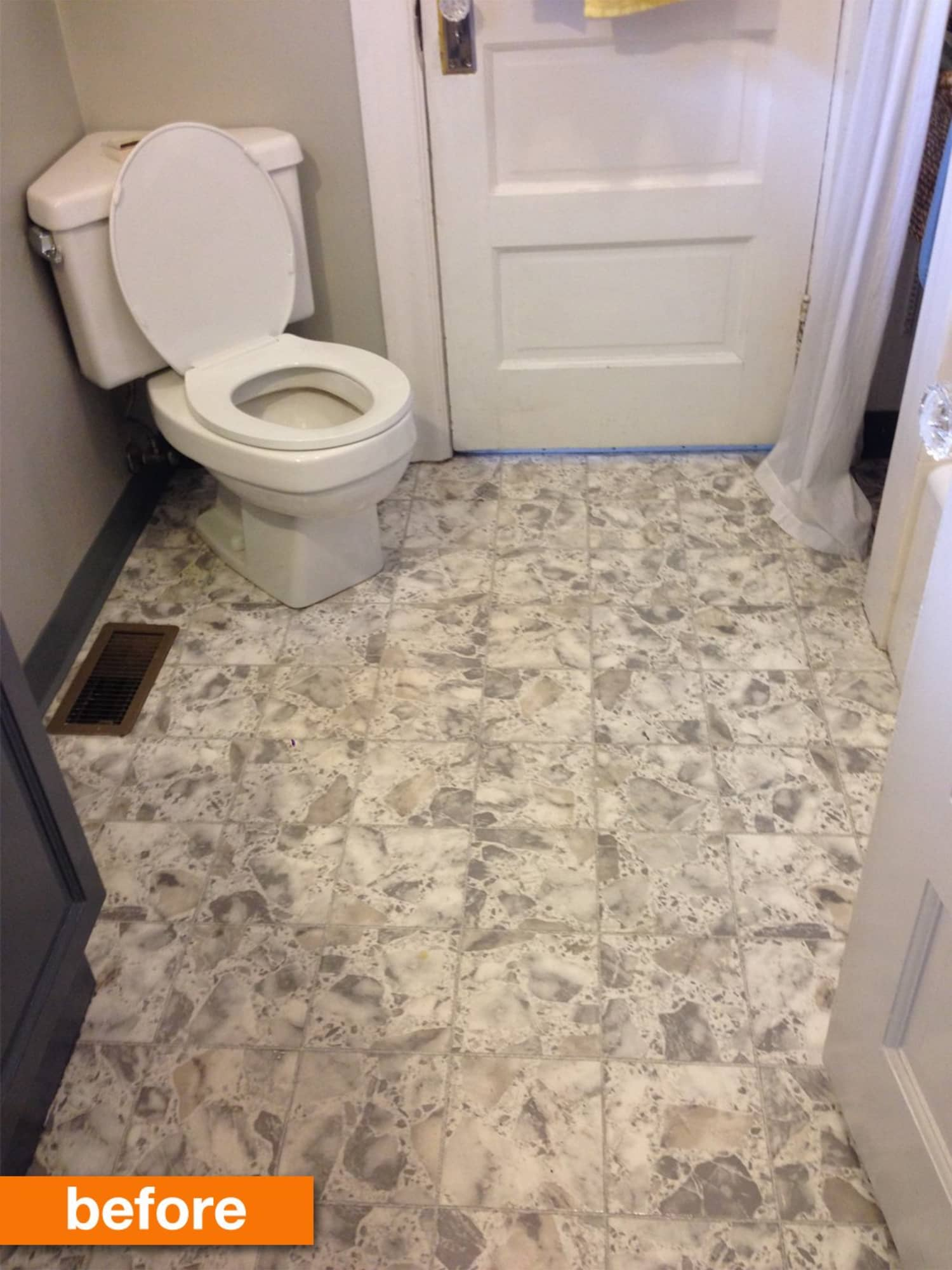 Before Amp After Alexa S Affordable Stenciled Vinyl Bathroom Floor Makeover Apartment Therapy