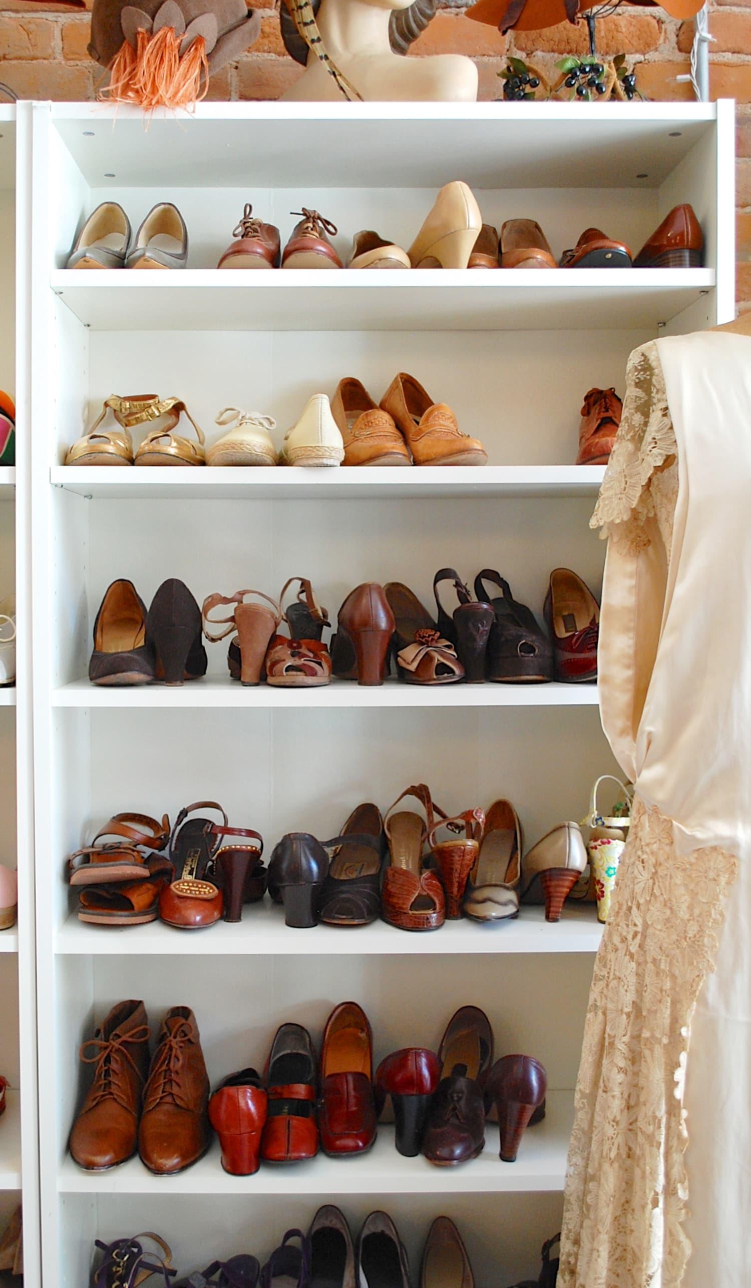 Closet Inspiration Use Ikea S Billy Bookcase To Mimic