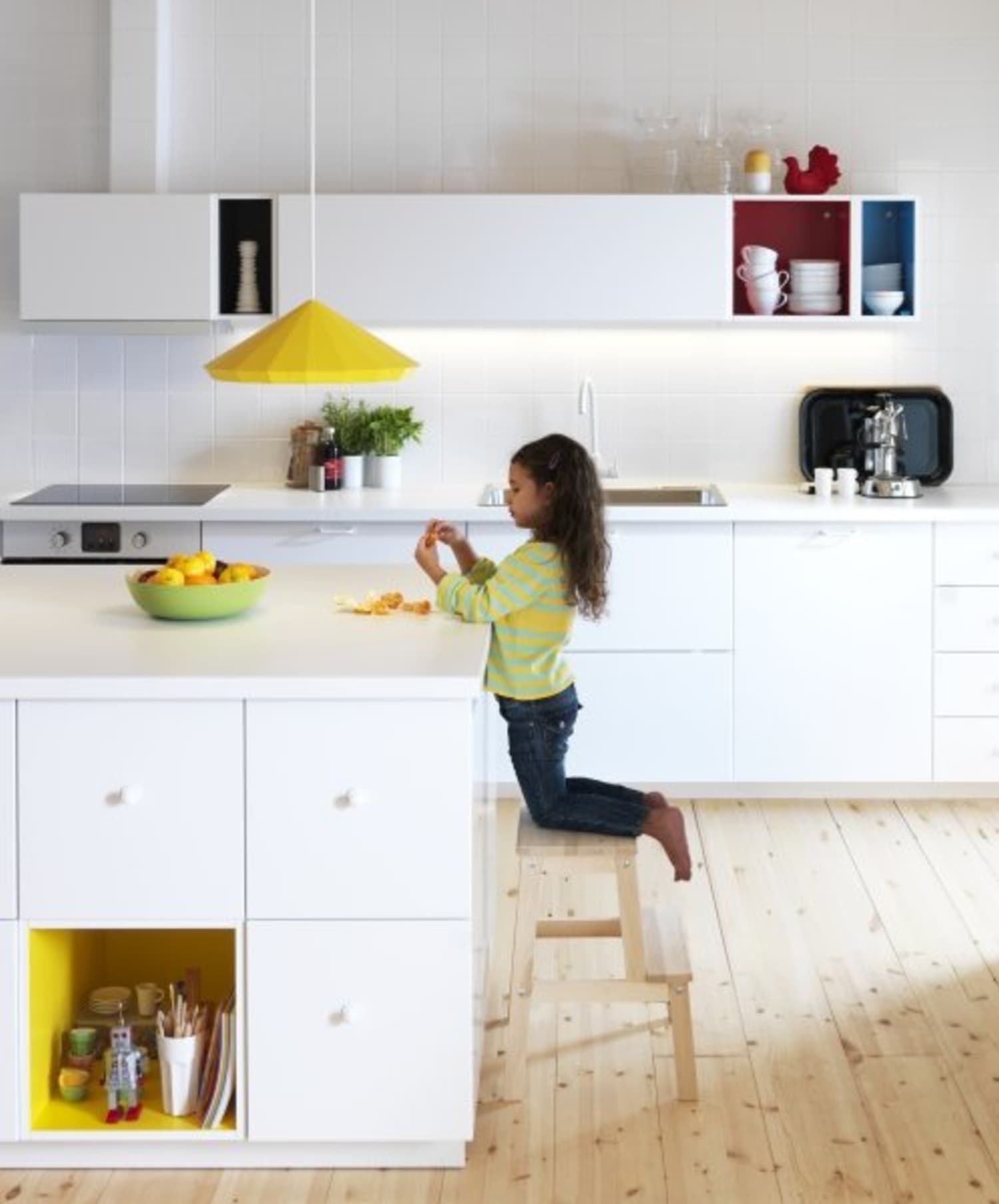 The Inside Scoop on IKEA\'s New Kitchen Cabinet System ...
