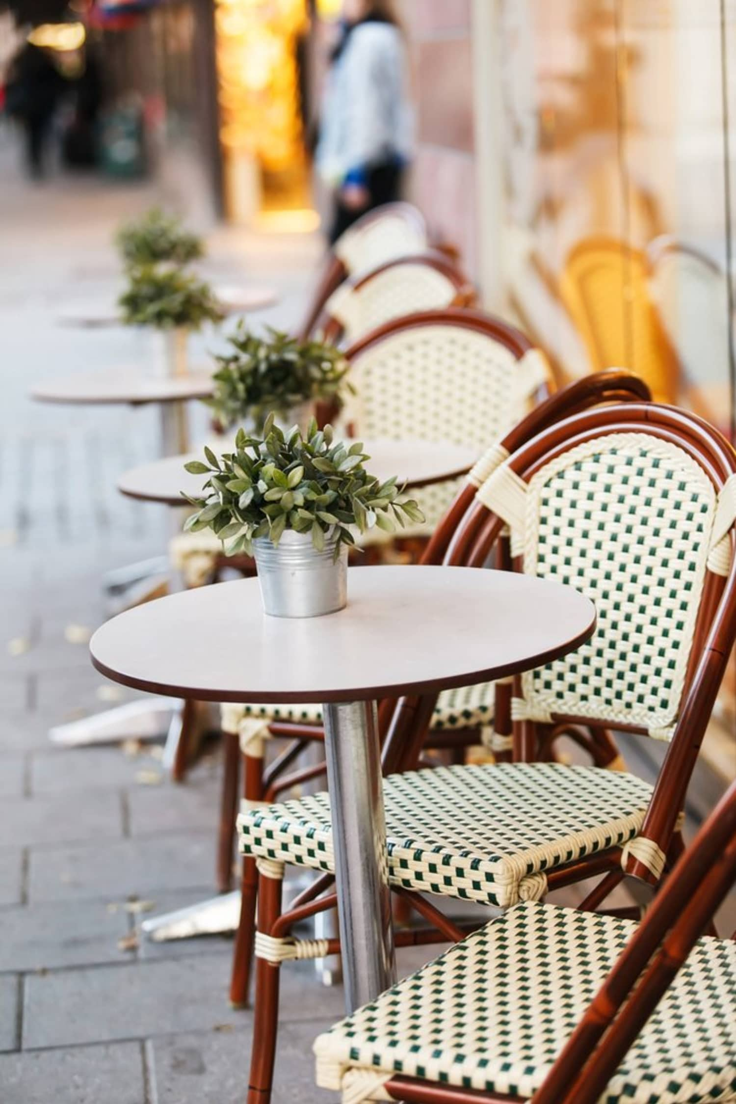 Where to Buy Inexpensive Outdoor Furniture | Apartment Therapy