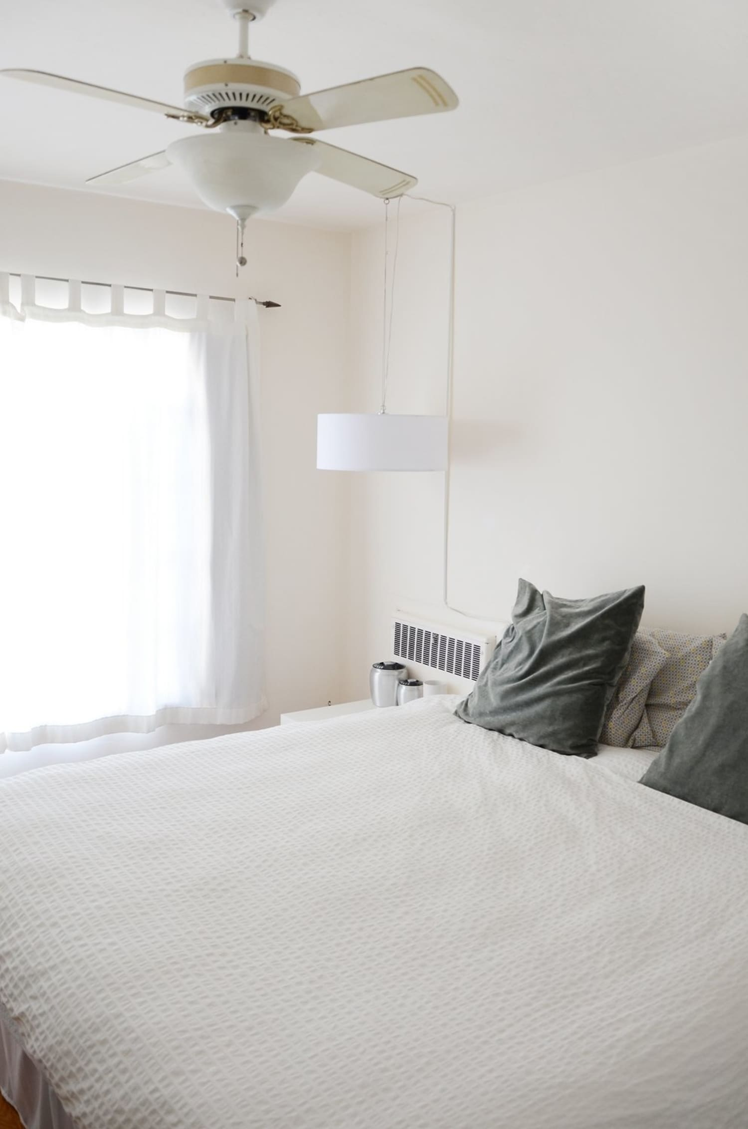 5 Quick Rental Fixes For The Bedroom Apartment Therapy