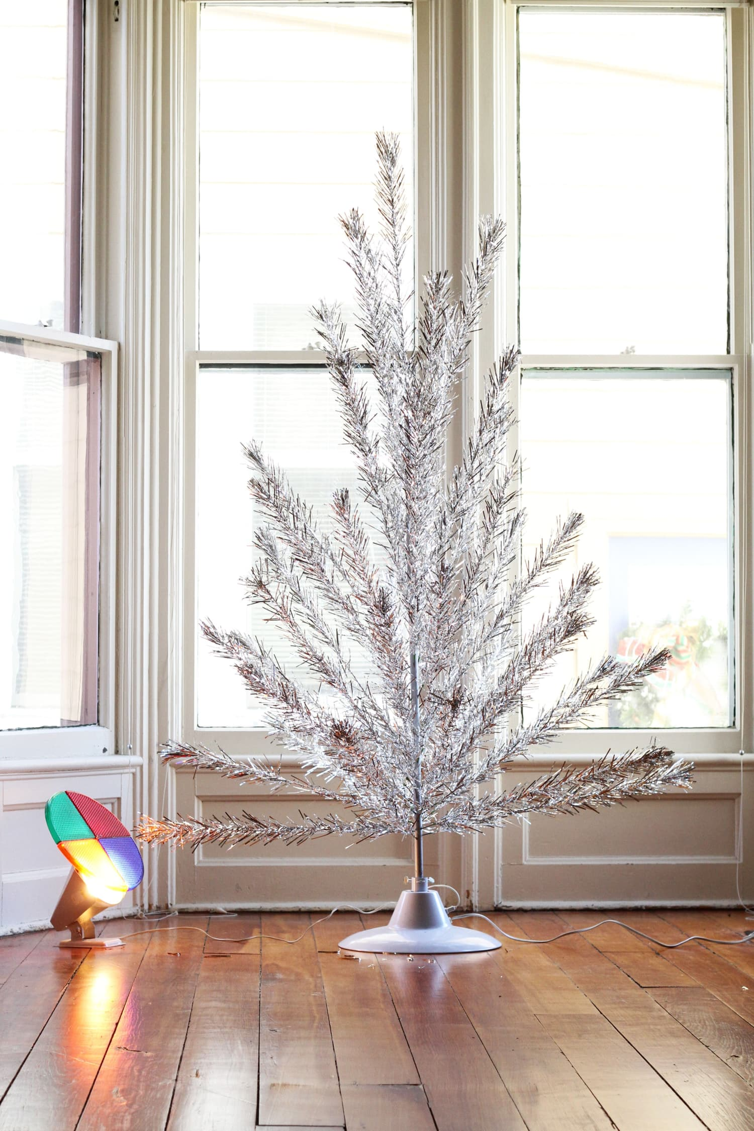 Get Rid of Christmas Clutter: 11 Things to Toss Right Now