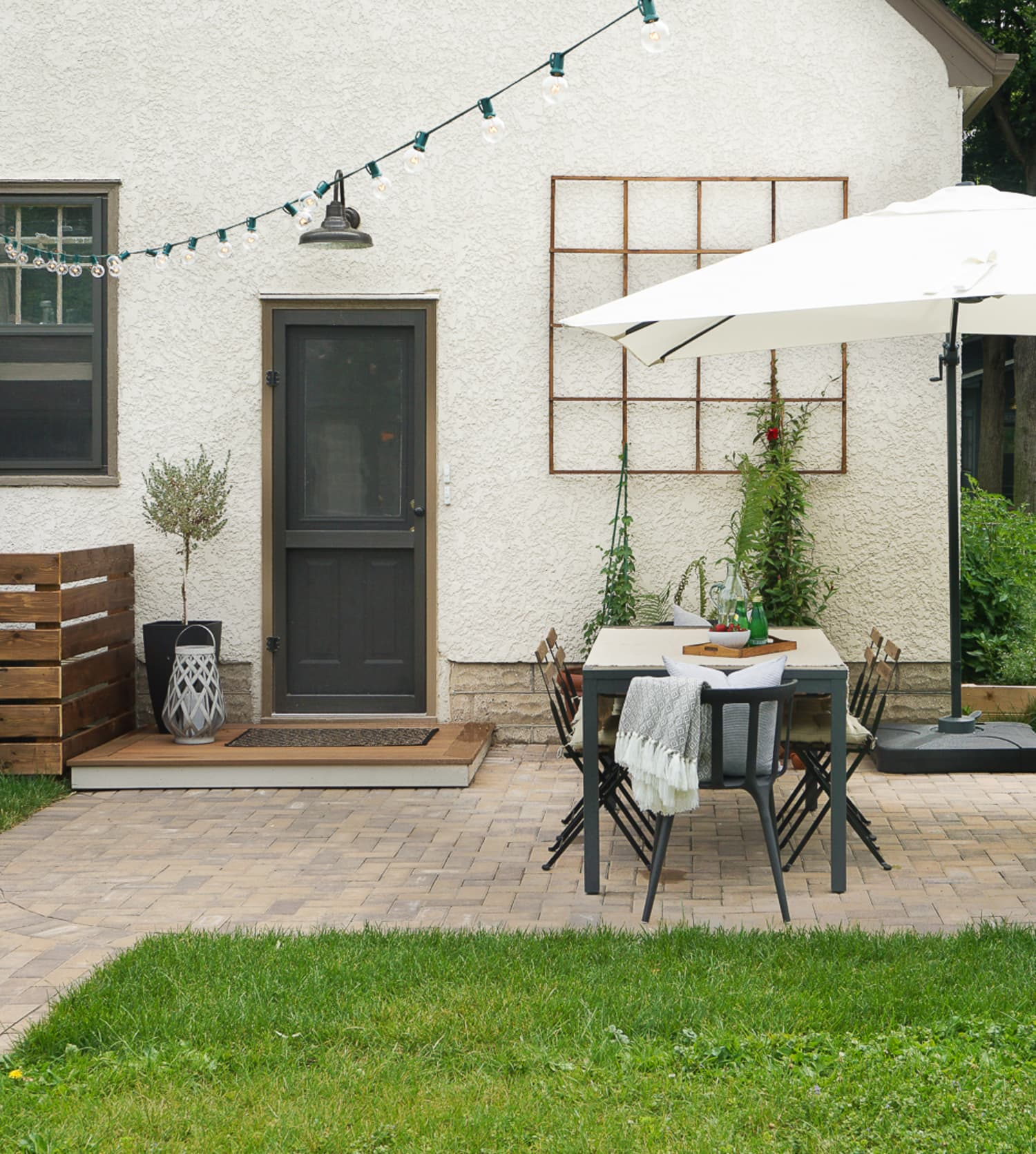 Cheap Apartments Outside Bricks: DIY Tips: The Best Way To Lay A Brick Paver Patio
