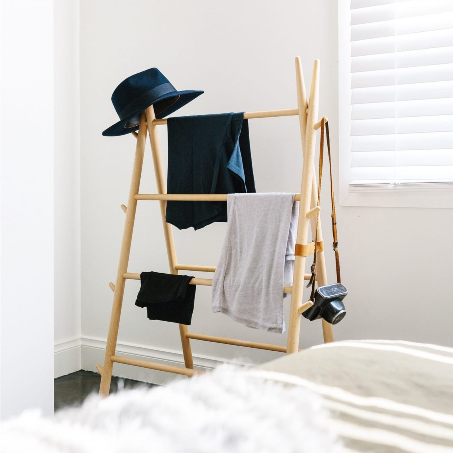 6 No-Hanger, No-Fold Options for Casual Clothes Storage | Apartment ...