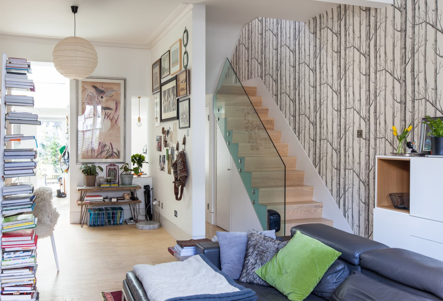 excellent mid century modern bedroom referencias san and | 10 Excellent Sources for Buying Birch Tree Wallpaper ...