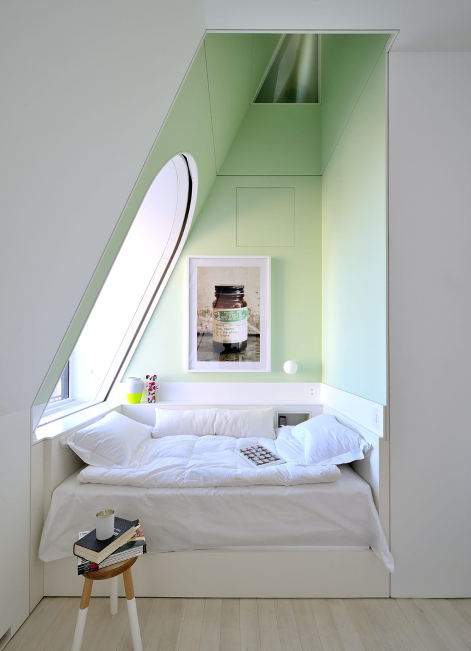 Small Bedroom Solutions Cozy Bed Nooks Apartment Therapy