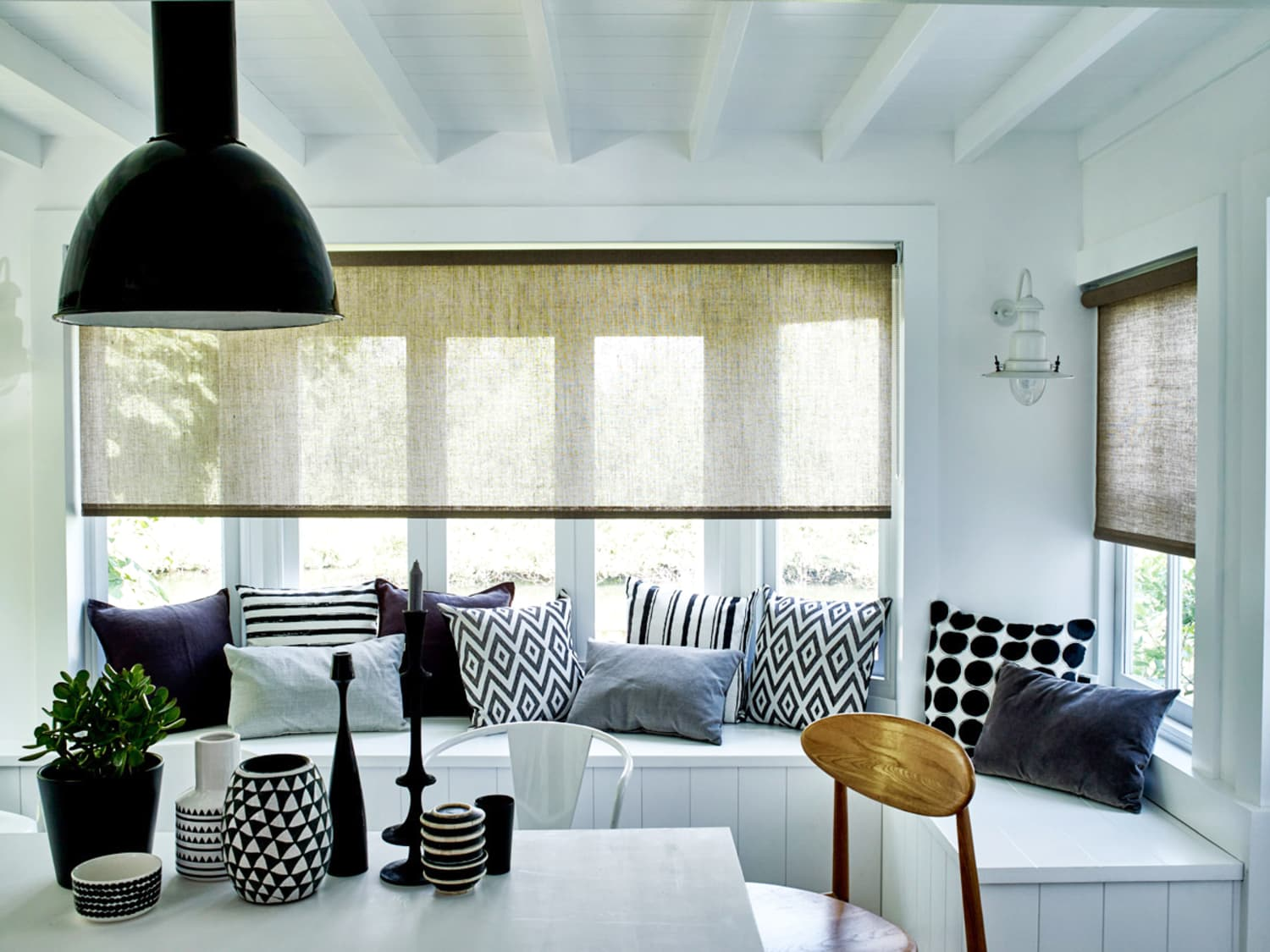 Bloc Blinds: Keep Your Window Decorating Options Wide Open