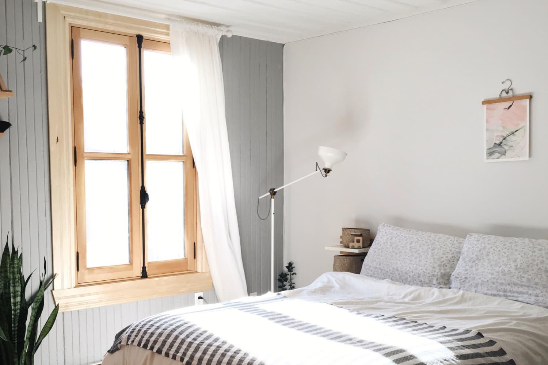 A Small Minimal Lost Studio Apartment In Canada