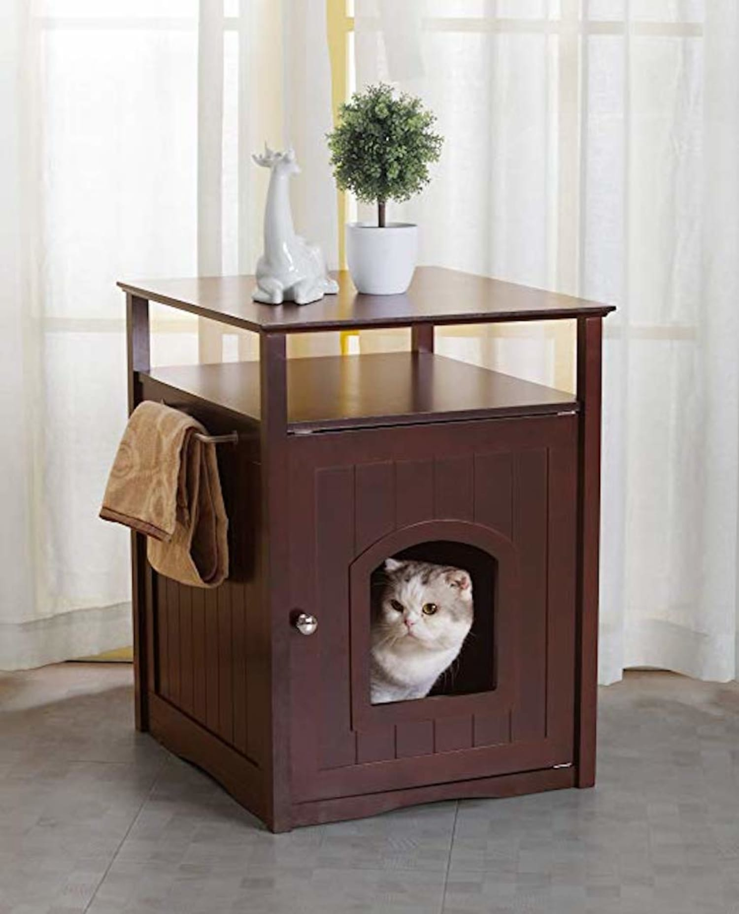 Cat Litter Box Hides In Plain Sight By Being Stylish