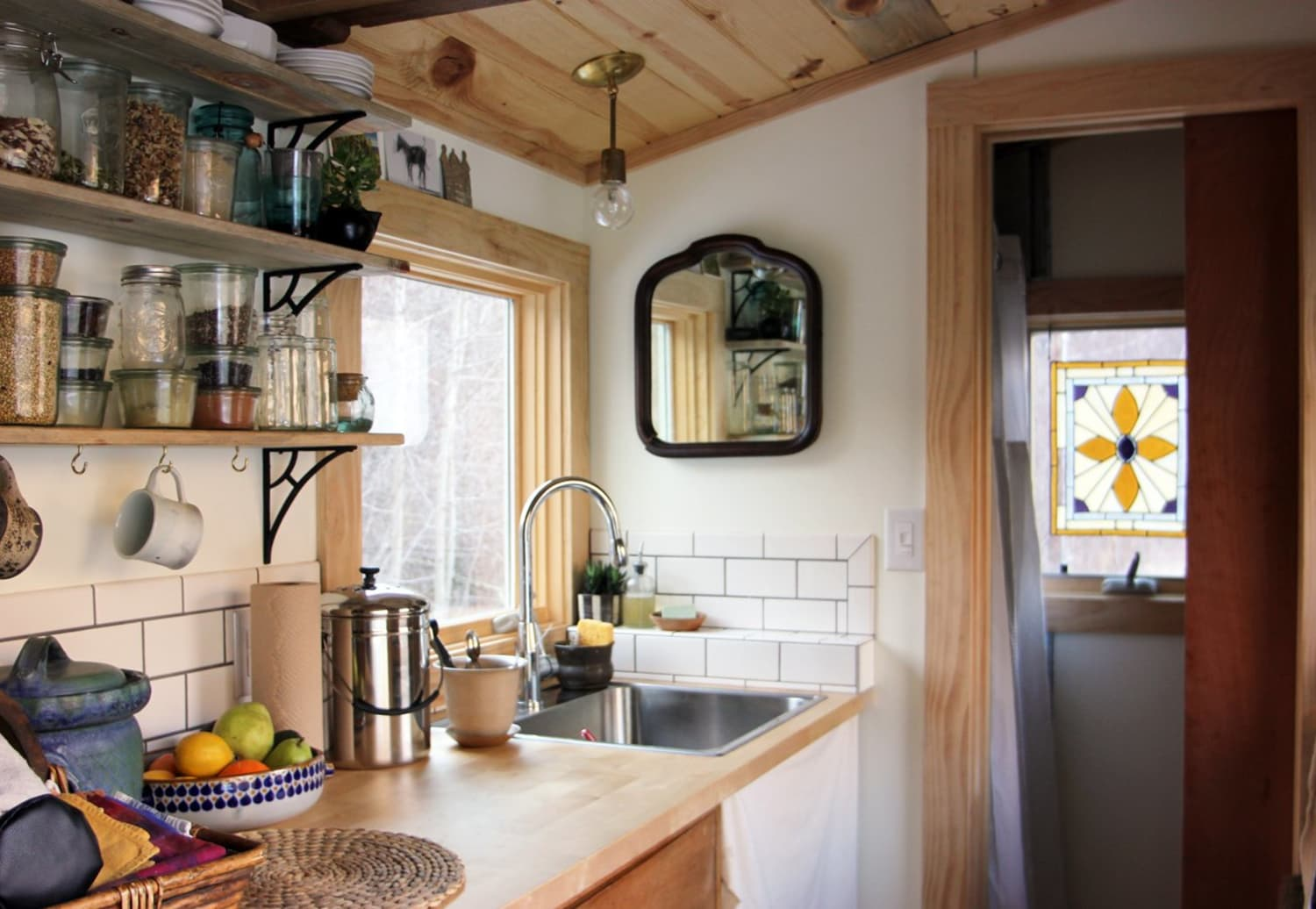 Small Space Modern Farmhouse Decorating Ideas Apartment Therapy