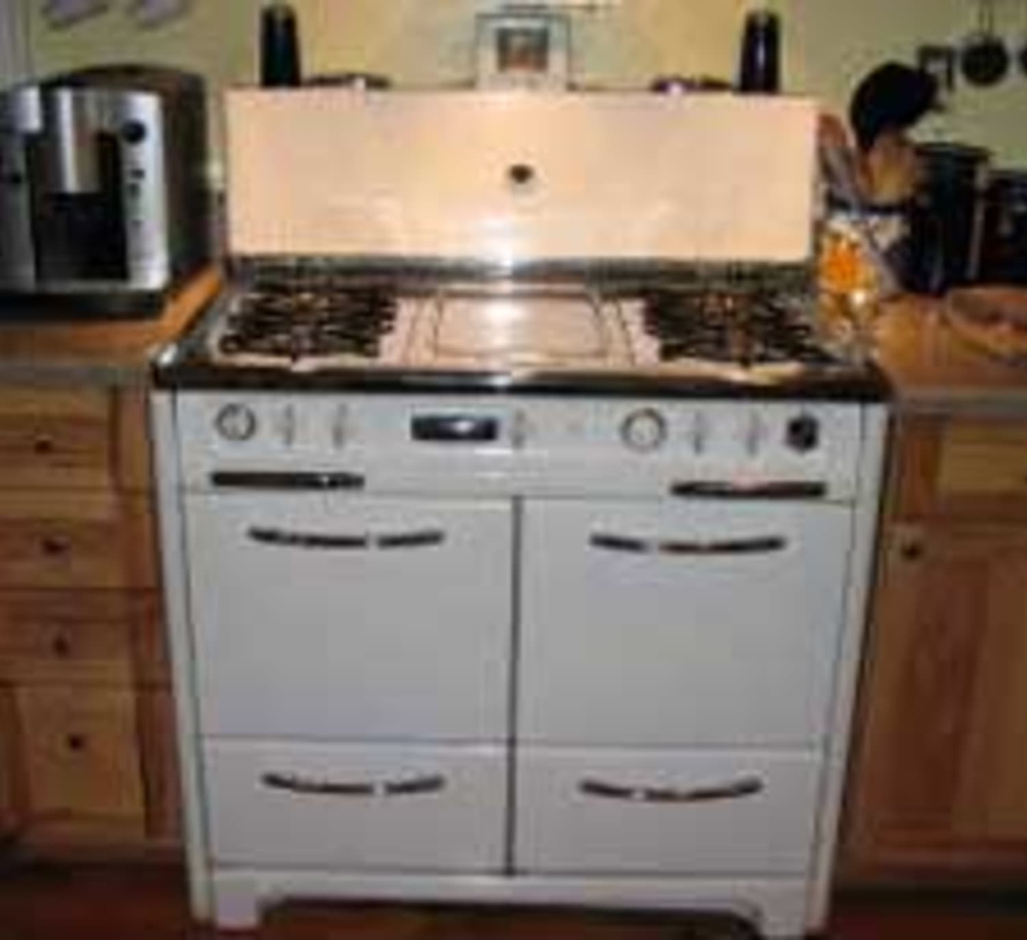 LA Scavenger: Wedgewood Stove For $750
