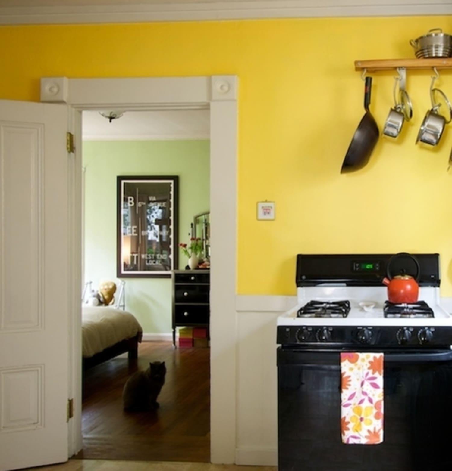 Kitchen Spotlight Leslie S Sunny Yellow Kitchn
