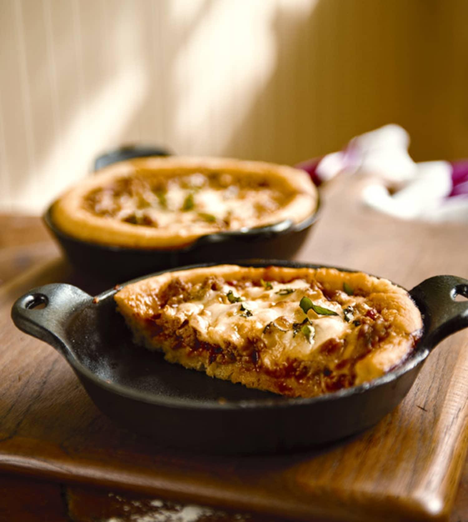 Artisan Pizza Kitchen: Chicago-Style Deep-Dish Pizza & No-Knead Cornmeal Crust