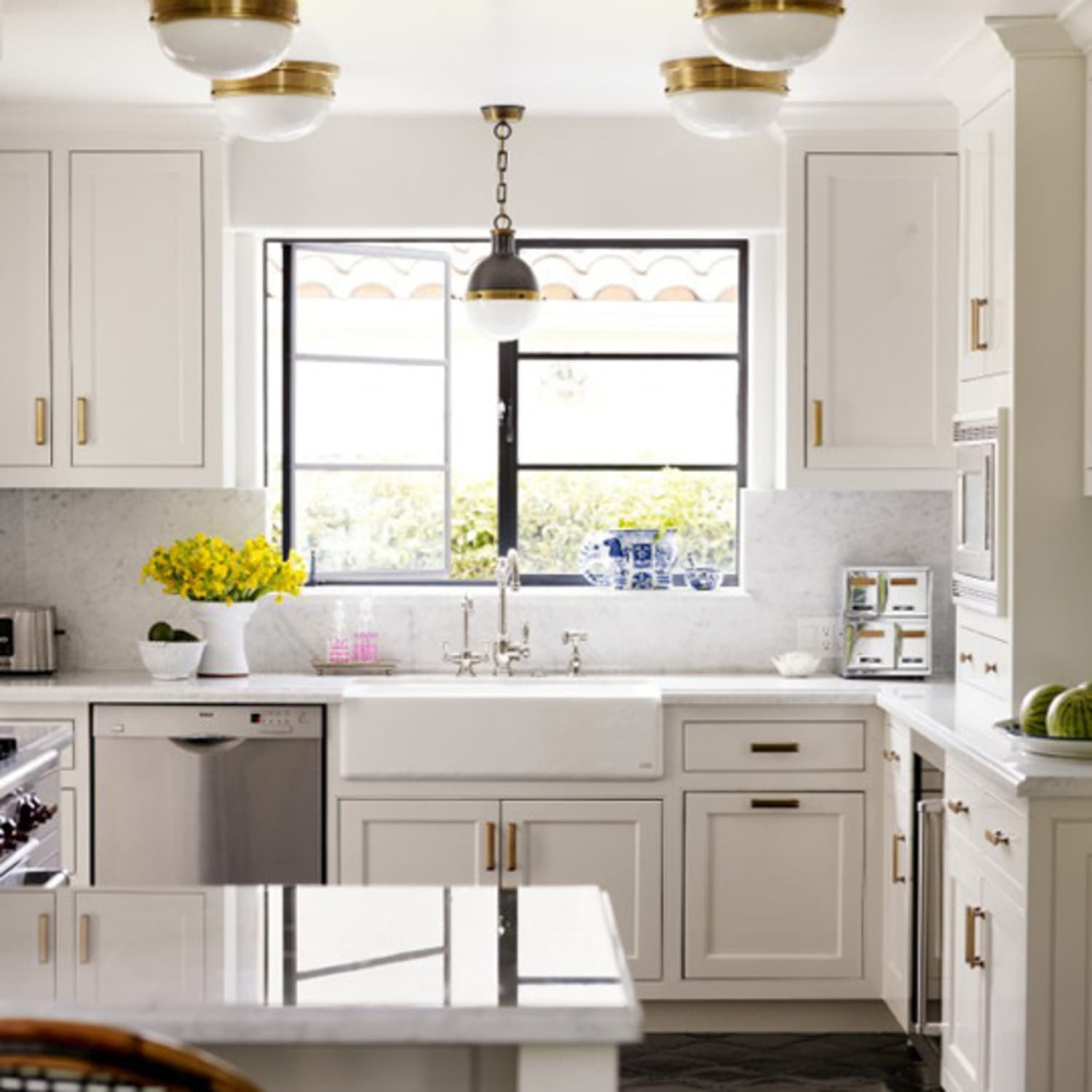 Glkitchen Cabinet Hardware: Get The Look: Brass Kitchen Cabinet Pulls