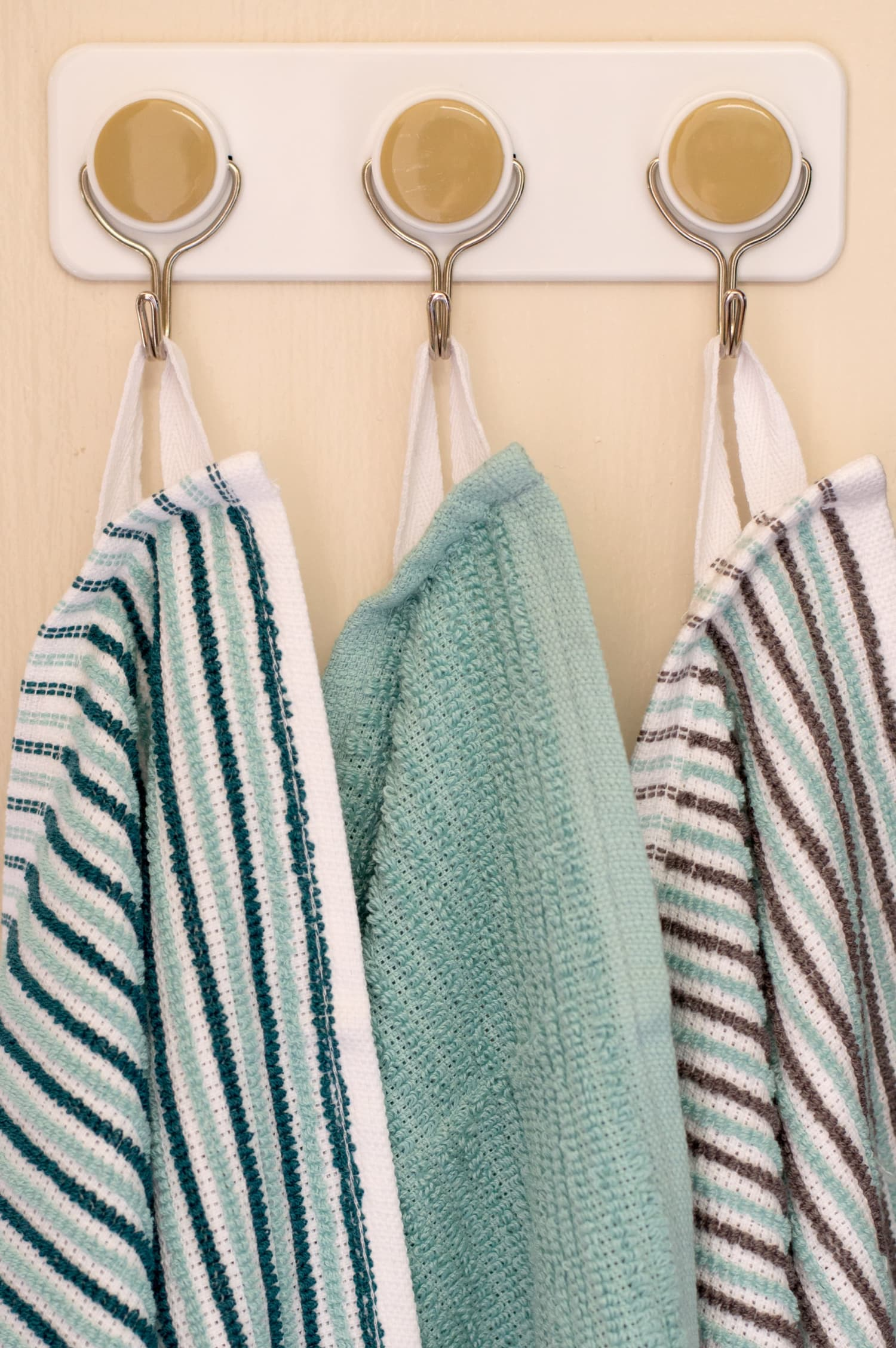 How To Add Loops to Dishtowels for Hanging | Kitchn