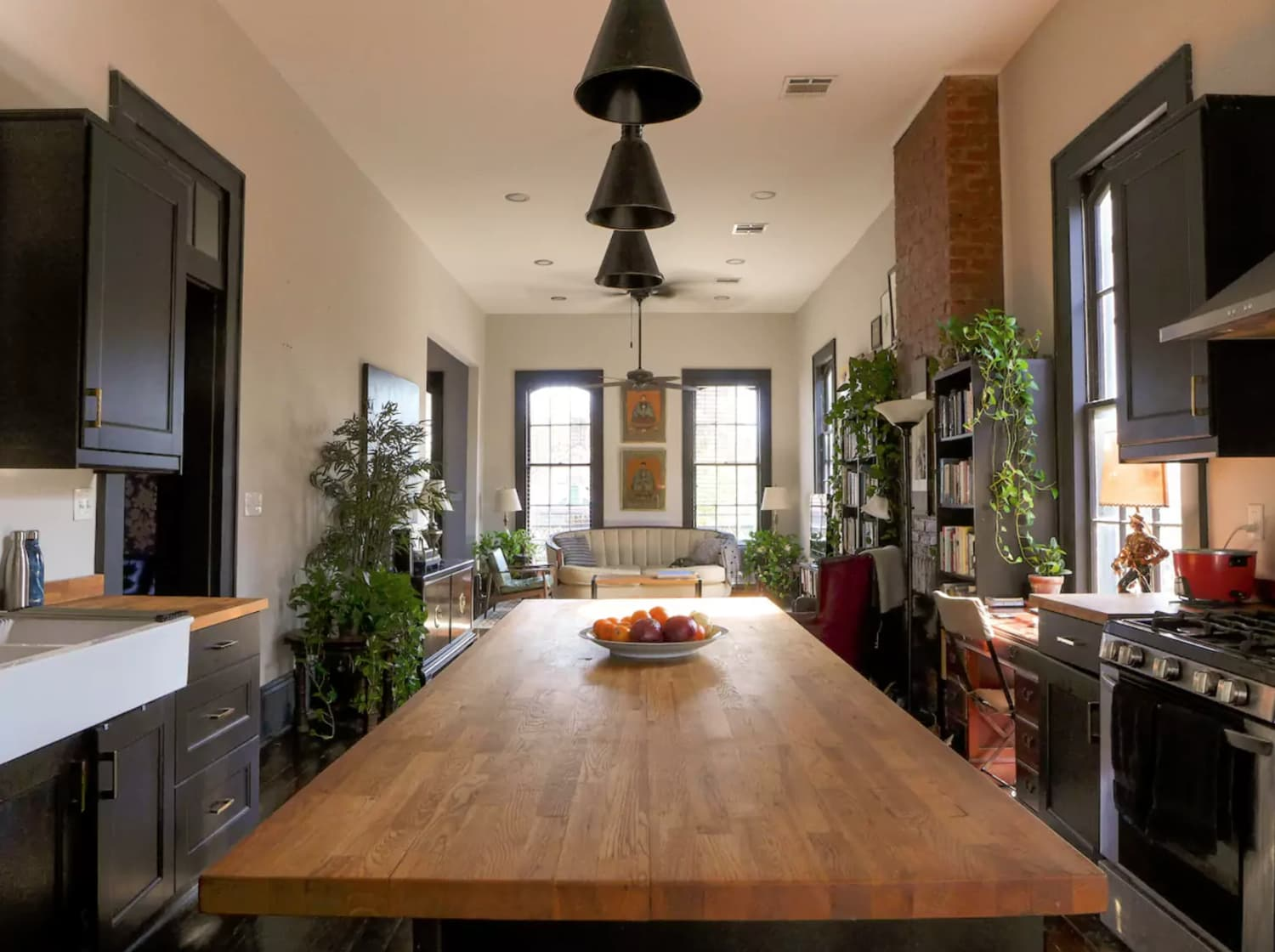 We Wanna Cook Here Sunny Bywater Apartment With Wrap