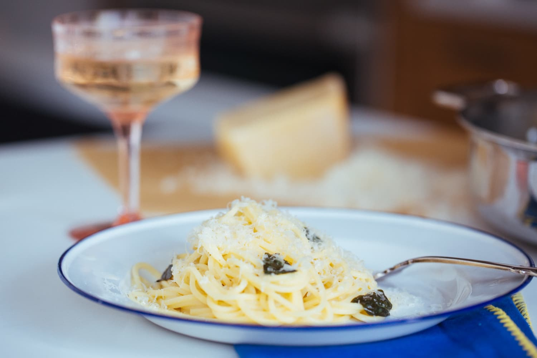 Recipe 3 Ingredient Buttery White Wine Pasta Sauce Kitchn