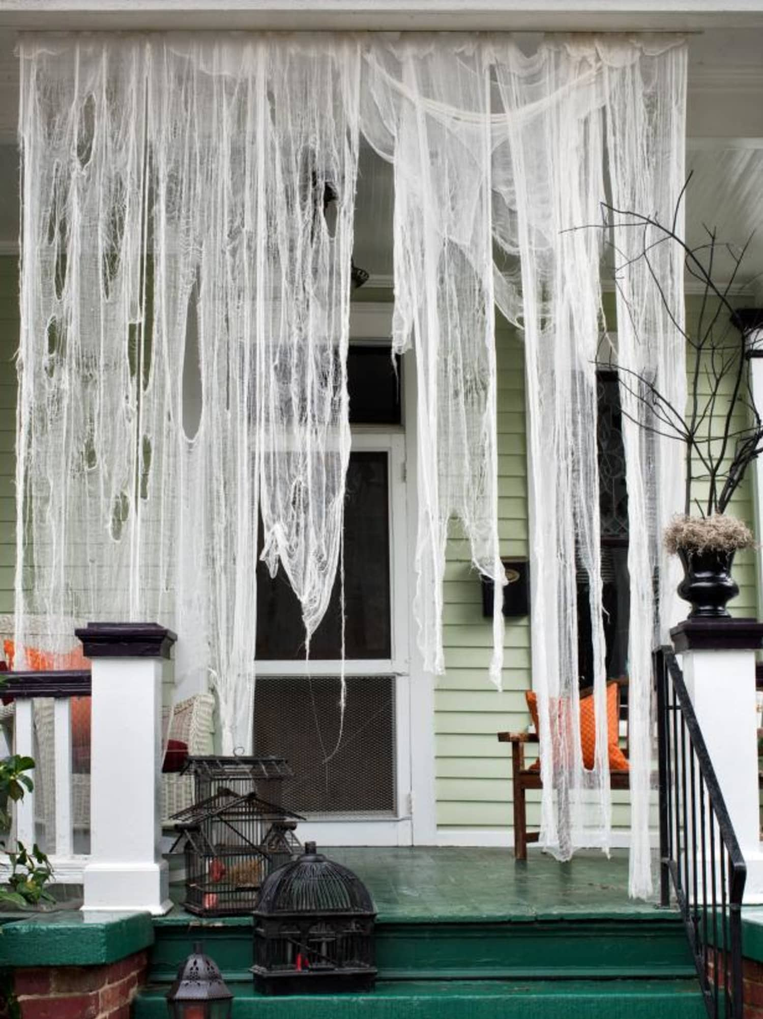 Clever Easy Halloween Porch Decorating Ideas