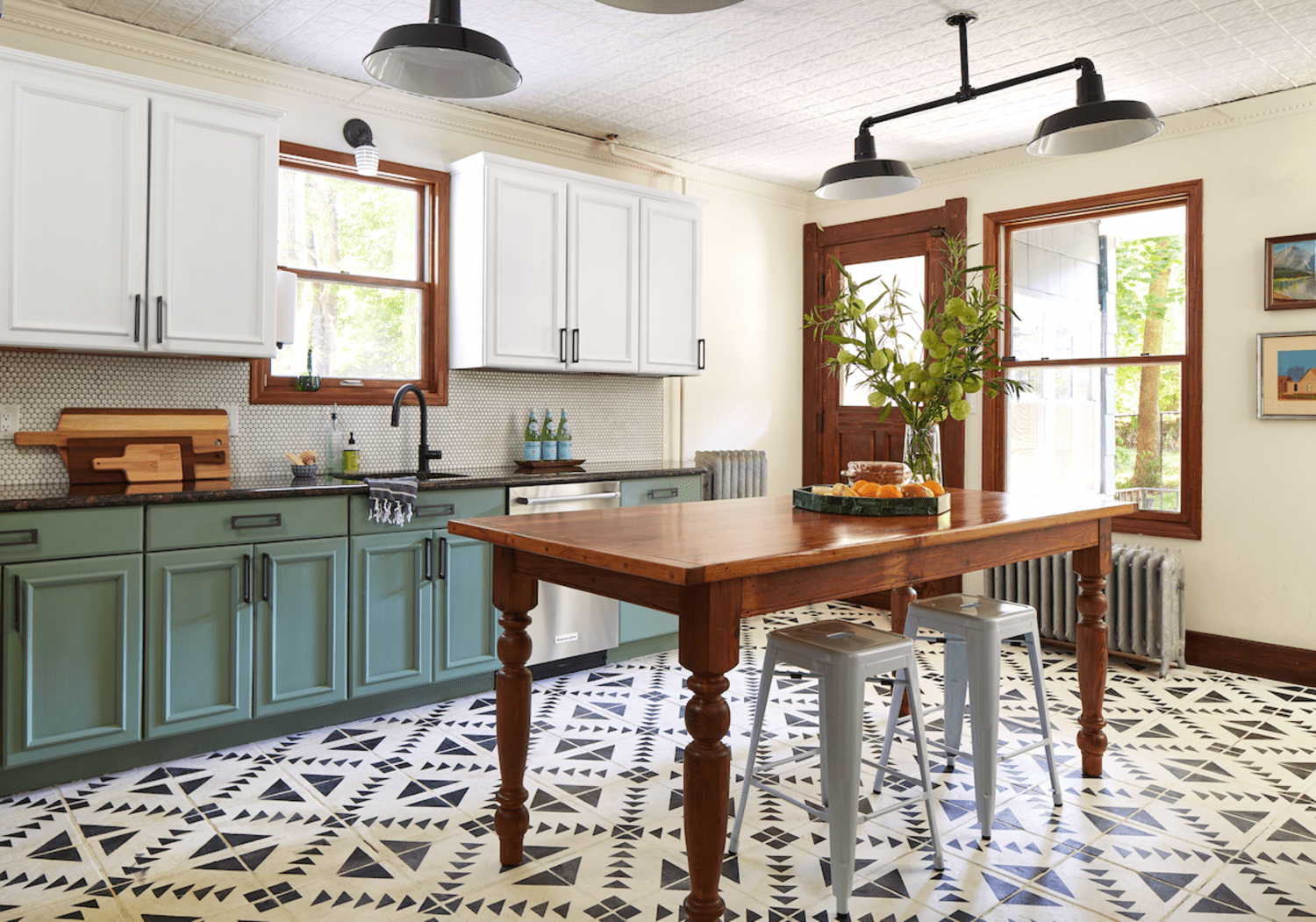 Yes You Can Paint Your Entire Kitchen With Chalk Paint