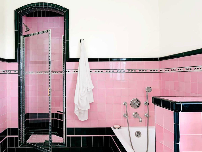 fabulous retro pink bathroom | Brand New Colorful Bathrooms That Look Vintage or Retro ...